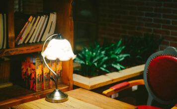 Lampa podłogowa